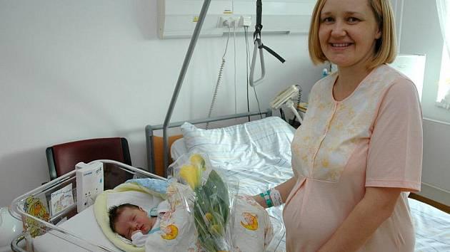 Prvním miminkem roku je Richard Drahoš narozený v 8:30 hodin.