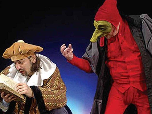 Ve Východočeském divadle byla v úterý večer k vidění komedie Benátská dvojčata.
