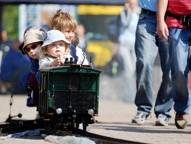 Výročí železnice oslavili modeláři i příznivci veteránů
