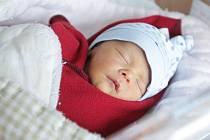 TEODOR MÁLEK se narodil 11. února v 17 hodin a 24 minut. Vážil 2340 gramů, měřil 44 centimetrů.   Maminku Alžbětu podpořil u porodu tatínek Jiří. Rodina bydlí v Pardubicích.