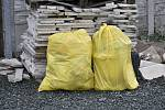 Do akce Ukliďme Česko se zapojila také rodina, která uklidila kolem Dražkova na Pardubicku.