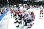 Hokejové utkání 12. kola Baráže o udržení Tipsport extraligy v ledním hokeji mezi HC Dynamo Pardubice (bílém) a HC Rytíři Kladno (v modrém) v pardudubické ČSOB pojišťovna ARENA