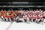 Hokejový zápas pomohl těžce postižené holčičce.