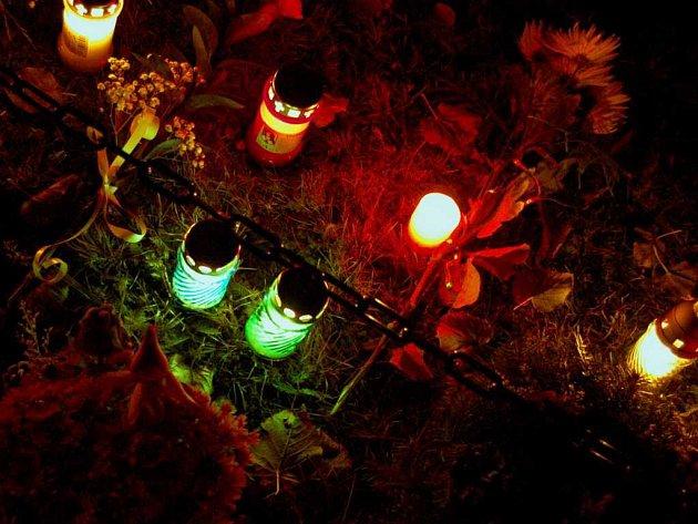 Noční hřbitov