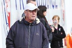 Fotbal provázel Ladislava Procházku celý život. Ze svého místa sledoval i zápasy Pardubic v druholigové soutěži. Foto: FK Pardubice