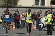 Kenští běžci vévodili závodu od začátku do konce