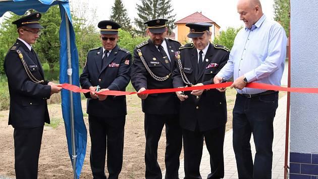 V Lipolticích otevřeli dostavěné zázemí JSDH Lipoltice a uskutečnil se 4. ročník Memoriálu Ladislava Koženého.