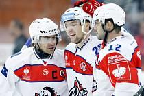 Do ligy mistrů vstoupí pardubický tým včetně kapitána Tomáše Rolinka (vlevo) v neděli. Bude mít důvod k radosti?