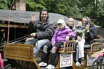 Farmář Jan Pokorný potěšil na svém ranči postižené děti