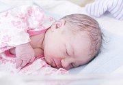 KLAUDIE KOSOVÁ  se narodila 12. dubna ve 3 hodiny a 7 minut. Měřila  52 centimetrů a vážila 3680 gramů. Maminku Vendulu podpořil u porodu tatínek Petr. Rodina bydlí v Pardubicích.