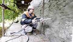 Současné opravy by měly vydržet minimálně 15 let.