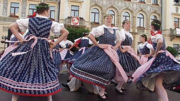 O tradiční zahájení folklorního festivalu Pardubice - Hradec Králové se postará v pátek Pernštýnská noc.