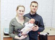 INNA KUČEROVÁ se narodila 7. ledna ve 23 hodin a 54 minut. Měřila 51 centimetrů a vážila 3150 gramů. Maminku Ivanu podpořil u porodu tatínek Aleš. Doma v Chrudimi na nového sourozence čeká dvouletá Stella.