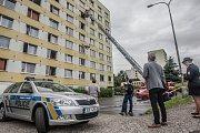 Policie v Pardubicích provedla v hotelu Harmony rekonstrukci záhadného úmrtí. Dne 15. dubna 2017 se 45letý Rumun pohádal se svou 45letou přítelkyní ze Slovenska, kterou měl podle obvinění vystrčit z okna v šestém patře ubytovny. Kriminalisté možné scénáře