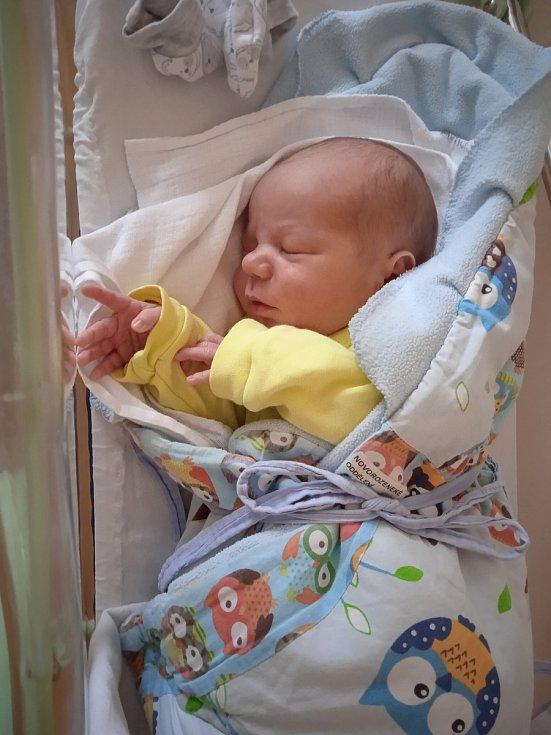 Lukáš Prokůpek se narodil 11. 4. 2021 v 6:41 hodin. Vážil 3570 g a měřil 51 cm. Velikou radost udělal mamince Michaele a tatínkovi Lukášovi. Doma se na brášku těšila tříletá Adélka. Rodina bydlí v obci Orel.