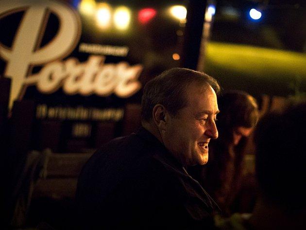 Peter Freestone v pardubickém letním kině