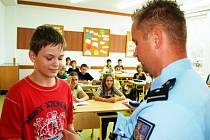 Policisté na poctivého nálezce nezapomněli, dočkal se od nich odměny