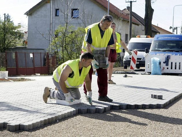 Rekonstrukce Kunětické ulice je u konce
