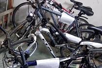 Ukradená kola, ke kterým policie v Pardubicích hledá majitele.