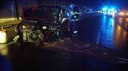 U letiště došlo k čelnímu střetu dvou vozidel, na místo letěl vrtulník.