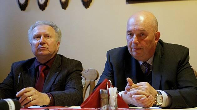 Jan Veleba a ministr zemědělství Miroslav Toman (vpravo).