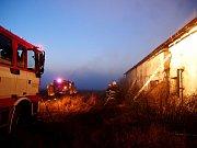 Požár v Pravech podle hasičů někdo založil