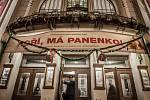 Premiéra hry Východočeského divadla Pardubice Hoří, má panenko!