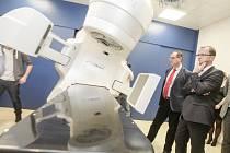 Nový ozařovač ošetří denně až sedmdesát pacientů s různými typy nádorů