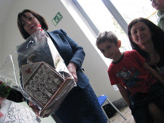 Ivana Zemanová navštívila speciální školu v Pardubicích (Do Nového).
