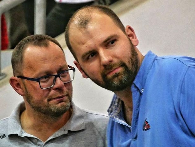 Generální manažer Martin Marek (vpravo) na snímku s předsedou představenstva klubu Pavlem Starou.