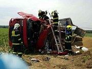 Dopravní nehoda nákladního vozu z Zdechovic měla bohužel tragické následky.