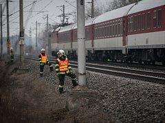 Muže u Černé za Bory srazil vlak.