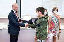 Univerzita ocenila mladé výzkumníky ze základních a středních škol