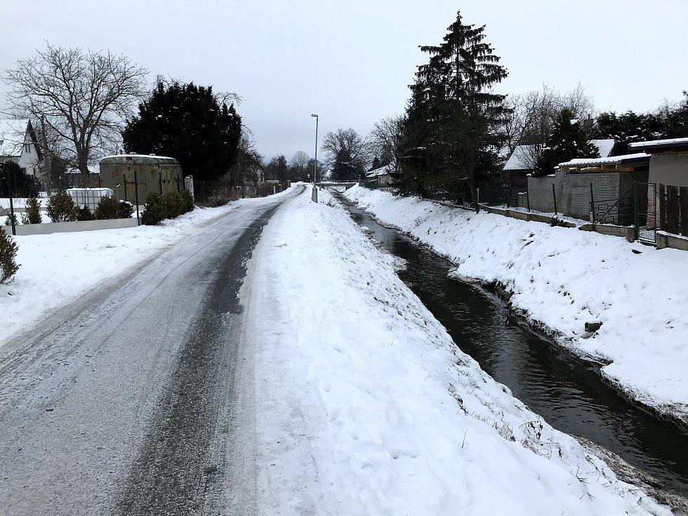Ředický potok dokáže místní pěkně potrápit, povodně se v obci opakují.