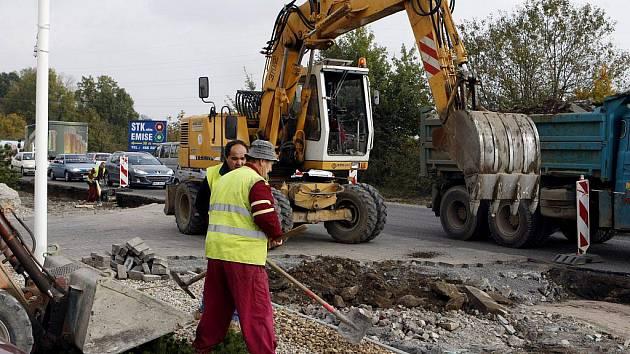 Opravy silnic brzdí dopravu nejen ve Starém Hradišti