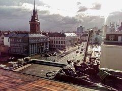 Takhle vypadá po neděli střecha Střední průmyslové školy potravinářství a služeb Pardubice.