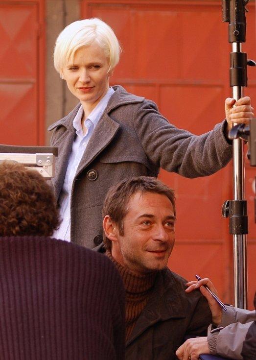 Aňa Geislerová s Jiřím Dvořákem. V připravovaném filmu vystupují jako policisté
