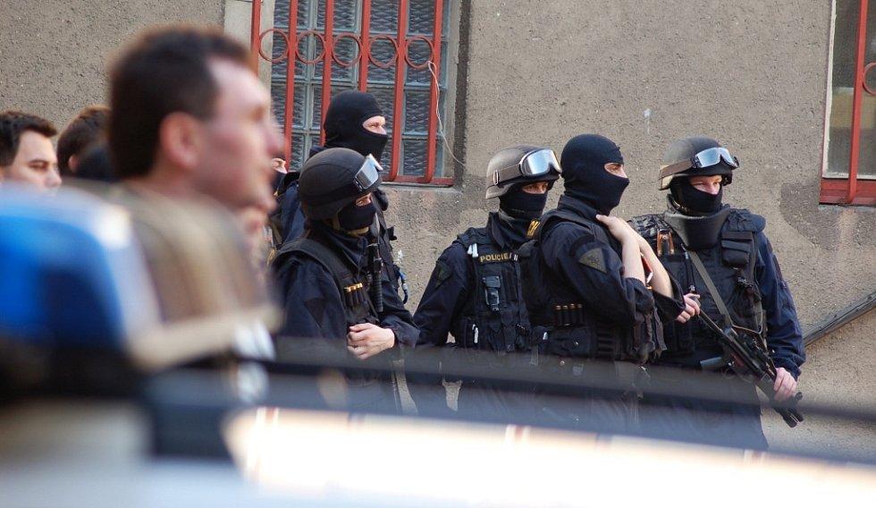 Práci štábu sleduje ve volné chvíli i policejní komando