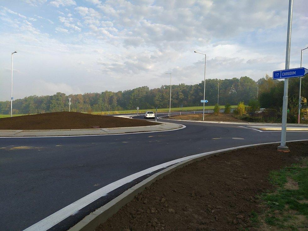 Nový Dvůr, přestavba křižovatky na okružní křižovatku.
