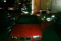 BMW se pokusil někdo zapálit.