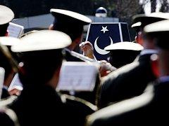 Pietní akt na pardubickém hřbitově uctil památku 518 pochovaných tureckých vojáků.