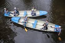 21. oddíl vodních skautů Bílý delfín Pardubice křtil dvě nové lodi: Tajfun a Calypso.