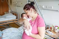 LILLY SVOBODOVÁ se narodila 2. července v 17 hodin a 25 minut. Vážila 2090 gramů a měřil 46 centimetrů. Rodiče Monika a Luboš bydlí v Ústí nad Orlicí. Na sourozence se těší Abigail (15), Vendula (14), Amy (11) a Samuel (8).