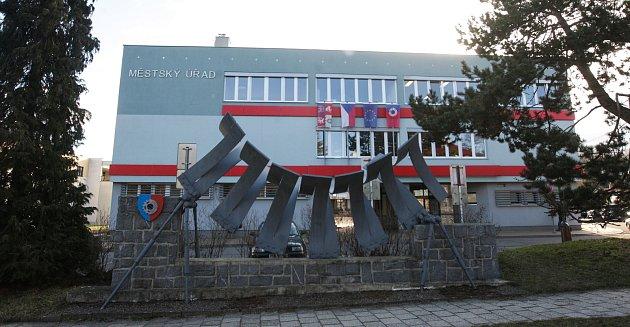 Radnice ve Chvaleticích.