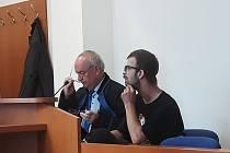 Otakar Mastík se pokoušel vydírat 14letou dívku. Když s ním nebude mít sex, zveřejní její nahé fotky. Ty ovšem neměl.