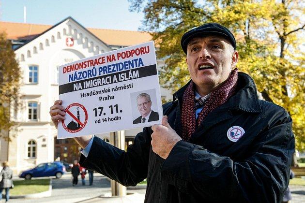 Příjezd Miloše Zemana před krajský úřad Pardubického kraje