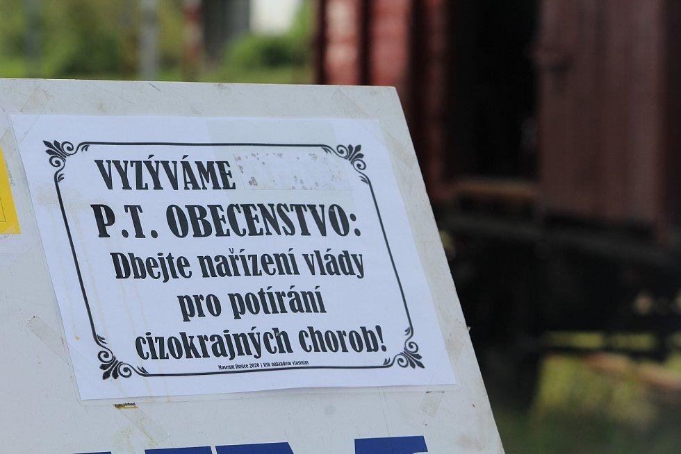 V muzeu v Rosicích se po svém - dobově přizpůsobili aktuální situaci.