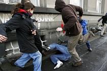 Poradna pomůže lidem, které někdo okradl, podvedl nebo napadl.