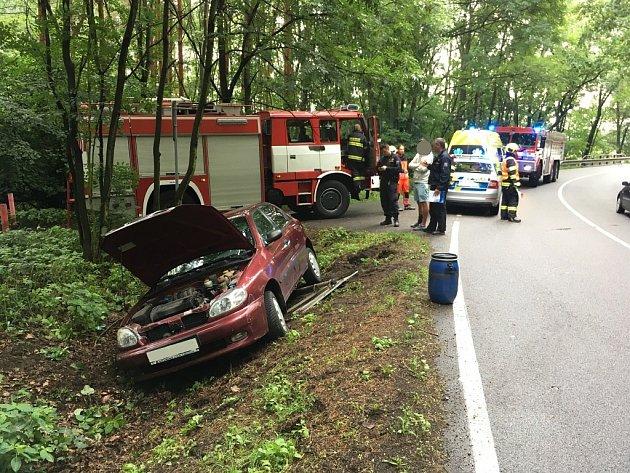 Dopravní nehoda mezi Živanicemi a Břehy.
