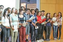 Holické gymnázium přivítalo cizí studenty